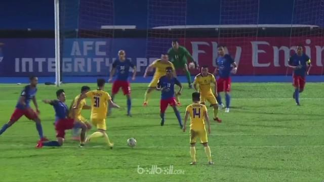 Berita video highlights Piala AFC 2018, JDT (Johor Darul Ta'zim) melawan Song Lam Nghe An, yang berakhir dengan skor 3-2. This video presented by BallBall.