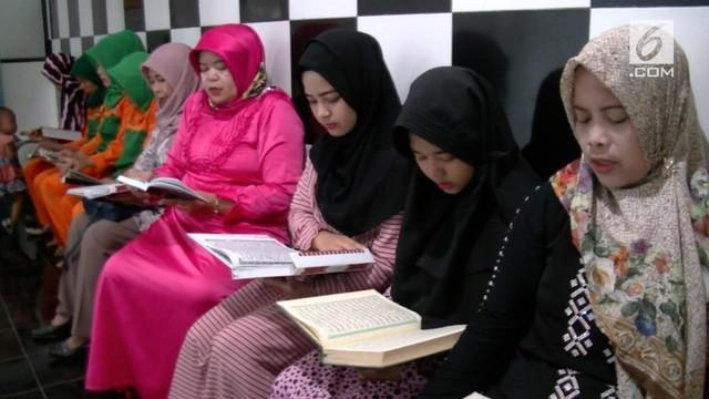 Menyambut Ramadan, sebuah klinik memberikan tarif gratis pada masyarakat. Pasien hanya diminta mengaji saja 1 juz.