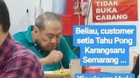 Orang Terkaya Indonesia,Mchael Bambang Hartono, Makan di Warung Tahu Pong. (dok. Twitter @ayudh69/https://twitter.com/ayudh69/status/1207681675561357312/Henry)