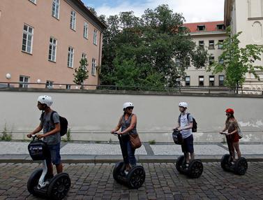20160719-Segway, Transportasi Unik Favorit Turis di Ceko-Praha