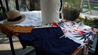 Hawai'i Collection dari Uniqlo, salah satu alternatif pakaian stylish di suhu tropis. (Foto: Liputan6.com/Benedikta Desideria)