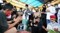Pemakaman komedian Sapri di TPU Ulujami (Kapanlagi.com)