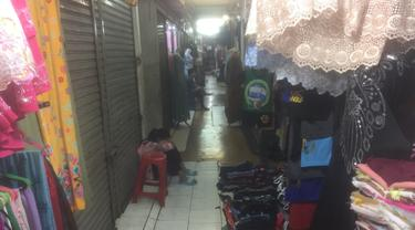 Kondisi toko-toko di Blok G Tanah Abang. (Liputan6.com/Delvira Hutabarat)