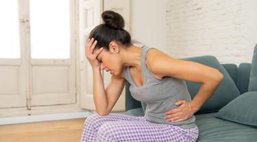 Fakta di Balik 5 Mitos Populer Seputar PMS (Sam Aus/Shutterstock)