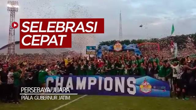 Berita video Persebaya Surabaya harus melakukan selebrasi yang terhitung cukup cepat saat di podium juara Piala Gubernur Jatim 2020, Kamis (20/2/2020).