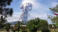 Gunung Soputan meletus  (Foto: BNPB)