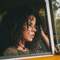 Ilustrasi rambut keriting | unsplash.com