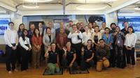 Delegasi UE untuk Indonesia dan Kedutaan Besar Swiss, Yayasan Race for Water (R4W), dan Yayasan Greeneration berkumpul bersama hari ini (5/8) di Batavia Marina untuk merayakan inovasi dan kerja sama lintas negara dan lintas generasi. (Istimewa)