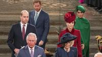 Pangeran Charles, Camilla, Pangeran William, Kate Middleton, Pangeran Harry, dan Meghan Markle menghadiri pelayanan Commonwealth Day di London, Inggris, 9 Maret 2020. (PHIL HARRIS / POOL / AFP)
