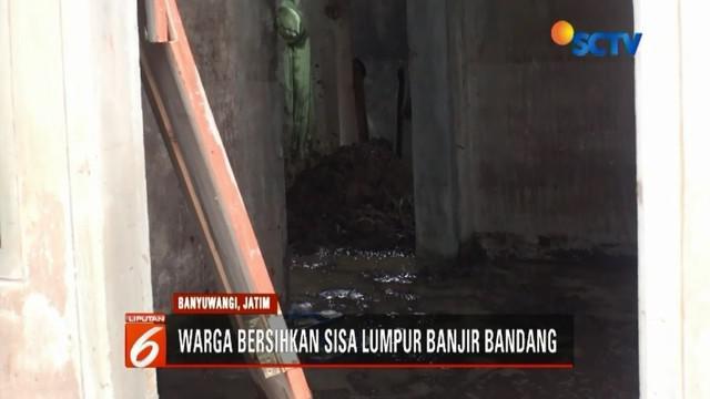Banjir bandang yang menerjang puluhan rumah warga di Desa Alasmalang, Singojuruh, Banyuwangi, Jawa Timur. 42 rumah yang terdampak banjir, lima di antaranya rusak parah dan dua rumah hanyut.