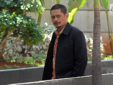 Direktur Utama PT INTI Darman Mappangara tiba untuk menjalani pemeriksaan oleh penyidik di Gedung KPK, Jakarta, Jumat (30/8/2019). Darman Mappangara diperiksa sebagai saksi untuk tersangka Direktur Keuangan PT Angkasa Pura II nonaktif Andra Y Agussalam.  (merdeka.com/Dwi Narwoko)