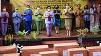 YBI membagikan 20 ribu masker batik melalui Dharma Pertiwi (Istimewa)