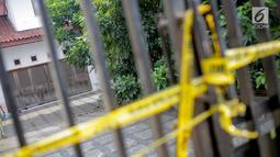 Suasana rumah korban kasus istri bunuh dan bakar suami serta anak tiri di Jalan Lebak Bulus 1, Kavling 129 B Blok U-15, Cilandak, Jakarta, Selasa (3/9/2019). Korban Edi Chandra Purnama dan anaknya M Adi Pradana ditemukan hangus terbakar dalam mobil di Sukabumi. (Liputan6.com/Faizal Fanani)