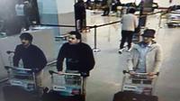 Otoritas Belgia merilis gambar tiga terduga pelaku serangan teror di Bandara Zaventem, ibu kota Brussels, Selasa (22/3/2016). Serangan di bandara menewaskan sedikitnya 14 orang. (BELGIAN FEDERAL POLICE/AFP)