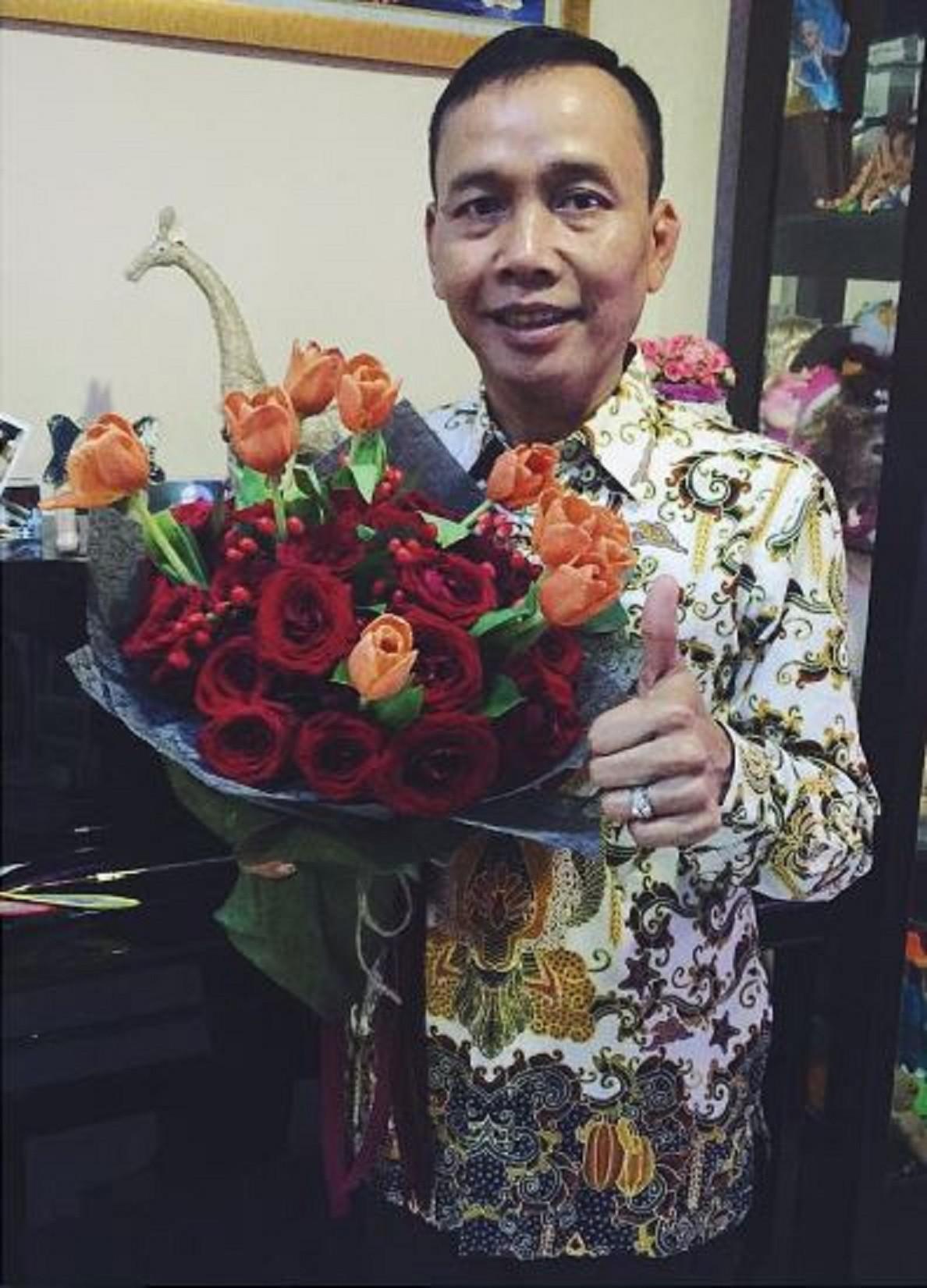 Ayu Ting Ting mengucapkan selamat kepada ayah (Instagram/@ayutingting92)