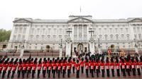 Pasukan pengawal Buckingham Palace, Istana Inggris. (Reuters)