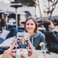 Memiliki efek negatif, ini yang diakibatkan media sosial dengan pasangan. (Foto: Unsplash)