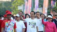 Jokowi jalan sehat di Makassar (istimewa).