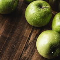 Selain menyehatkan tubuh, buah apel juga bermanfaat untuk menjaga kecantikan. (Foto: unsplash.com)