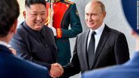 Pemimpin Korea Utara Kim Jong-un dan Presiden Rusia Vladimir Putin di Vladivostok, Kamis 25 April 2019 (Yuri Kadobnov / AFP PHOTO)
