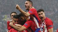 Para pemain Atletico Madrid merayakan gol Antoine Griezmann ke gawang Marseille pada laga final Liga Europa, di Lyon, Kamis (17/5/2018) dini hari WIB. (AP/Thibault Camus).