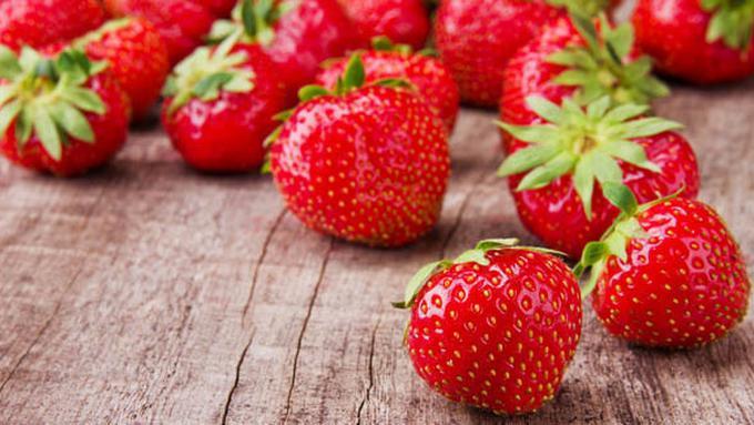 Ingin Gigi Putih Alami Makan Strawberry Bisa Membantumu Beauty