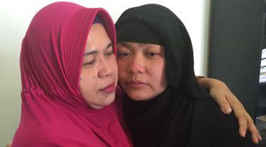 Iti Sarniti mengunjungi anaknya yang juga seorang TKI, Tuti Tursilawati di Arab Saudi pada Mei 2018 silam. Kerajaan Arab Saudi pada 29 Oktober 2018 mengeksekusi mati Tuti Tursilawati tanpa pemberitahuan kepada pihak Indonesia. (Dok. PWNI Kemlu RI)