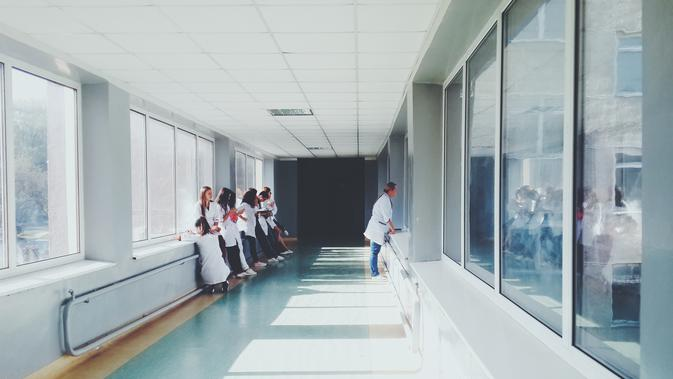 Kapasitas Tempat Tidur untuk Pasien COVID-19 di Bandung Nyaris Penuh