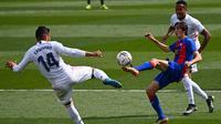 Bryan Gil. Pemain sayap Sevilla berusia 21 tahun yang dipinjamkan ke Eibar musim ini merupakan tipe pemain kreatif. Aksinya di Eibar telah menghasilkan 4 gol dan 3 assist dan menarik perhatian Luis Enrique untuk memanggilnya ke Timnas Spanyol. (AFP/Gabriel Bouys)