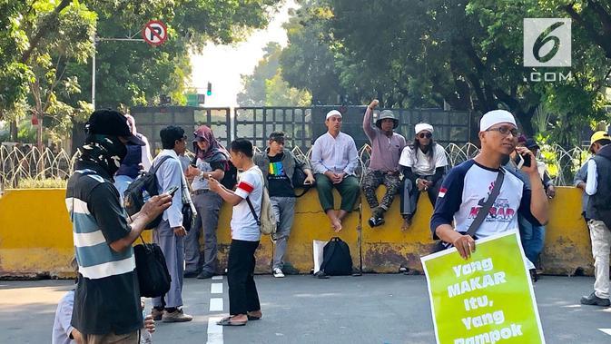 Demonstrasi jelang sidang putusan sengketa Pilpres 2019 di MK. (Liputan6.com/Ratu Annisaa Suryasumirat)