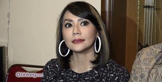 Tessa Kaunang mengubah penampilannya di penghujung tahun 2015. Meskipun awalnya Tessa tidak percaya diri dengan potongan rambut pendek. Tetapi Tessa sudah siap tampil beda untuk menyambut tahun baru 2016.