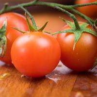 ilustrasi manfaat jus tomat untuk kesehatan kulit/unsplash
