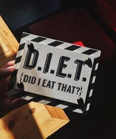 Ilustrasi diet. Sumber foto: unsplash.com/Jamie Matociños.