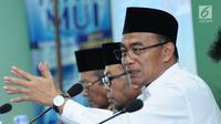 Mendikbud Muhadjir Effendy memberi keterangan pada Rapat Pleno ke-19 Dewan Pertimbangan MUI di Jakarta, Rabu (23/8). Selain rapat juga dilakukan Dialog Kebijakan Pendidikan Nasional dan Kepentingan Umat Islam. (Liputan6.com/Helmi Fithriansyah)