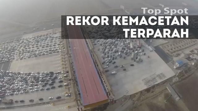 Kemacetan parah tidak hanya terjadi di Jakarta. Di beberapa negara pernah terjadi kemacetan sejauh ratusan kilometer