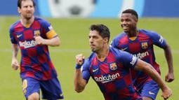 Striker asal Uruguay ini merupakan salah satu andalan Barcelona sejak dibeli dari Liverpool pada 2014. Selama berseragam Barca, Suarez telah mencetak 198 gol serta mempersembahkan empat titel Liga Spanyol dan satu trofi Liga Champions ke Camp Nou. (AP/Lalo Villar)