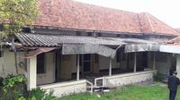 Rumah yang terletak di Jalan Mawar 10-12, Surabaya itu sempat menjadi tempat Bung Tomo membakar semangat arek-arek Suroboyo.