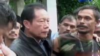Kelompok bersenjata pecahan GAM menyerahkan diri hingga  Presiden Joko Widodo kemarin meresmikan gedung baru KPK di Kuningan.