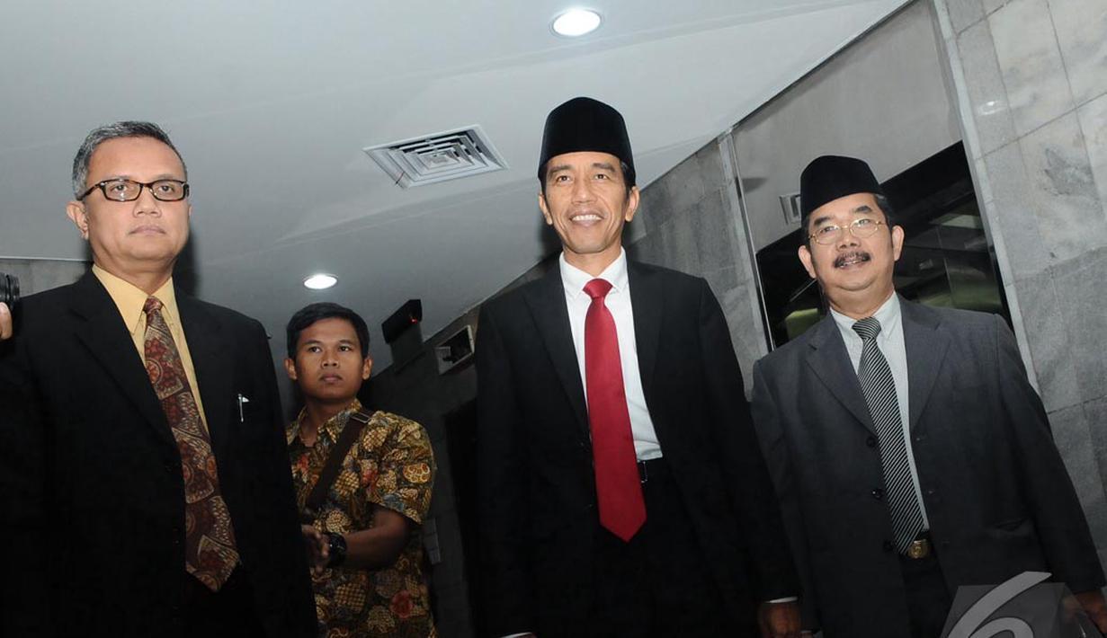 Presiden terpilih Joko Widodo (Jokowi) kembali bertugas sebagai gubernur DKI Jakarta (Liputan6.com/Herman Zakharia)