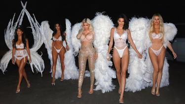[Fimela] Kostum Halloween Keluarga Kardashian