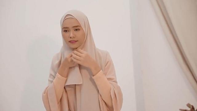 Tutorial Hijab Pasmina Syariah Yang Super Simpel Ramadan Liputan6 Com