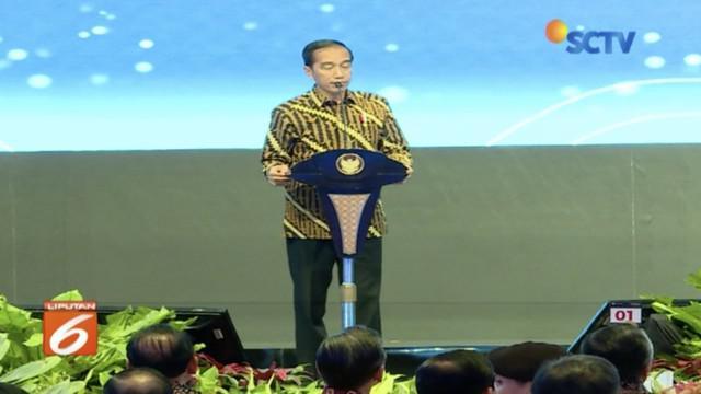 Presiden Jokowi nyatakan pemerintah akan kebut pengerjaan Tol Jakarta-Surabaya sebelum Natal dan Tahun Baru.
