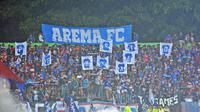 Suporter Arema FC, Aremania, mendukung perpindahan venue Grup E Piala Presiden 2018 dari Stadion Gajayana ke Stadion Kanjuruhan Malang. (Liputan6.com/Rana Adwa)