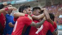 Pemain Indonesia merayakan gol ke gawang Uni Emirat Arab (UEA) pada laga Asian Games di Stadion Wibawa Mukti, Jawa Barat, Jumat (24/8/2018). Indonesia kalah adu penalti dari UEA. (Bola.com/Vitalis Yogi Trisna)