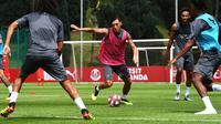 Mesut Ozil bisa berkonsentrasi penuh menjalani karier bersama Arsenal. (doc. Arsenal)