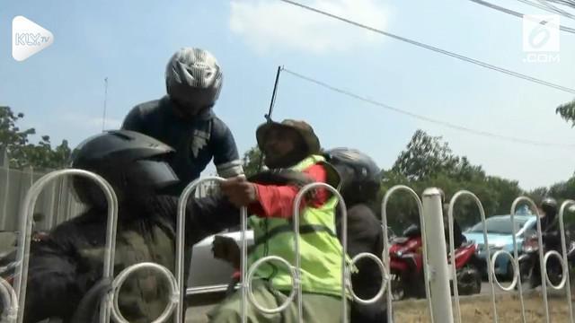 Rekaman Pak Ogah berteriak saat akan ditangkap oleh Satpol PP.