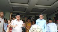 Capres Prabowo Subianto dan Cawapres Sandiaga Uno pidato di Rumah Kertanegara, Jakarta, Selasa (21/5/2019). (Merdeka.com/ Yunita Amalia)