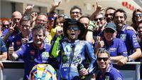 Valentino Rossi menjadi pebalap tertua yang memuncaki klasemen sementara MotoGP/500cc sejak 1949 setelah finis kedua pada balapan MotoGP Austin di Circuit of the Americas, 23 April 2017. (Bola.com/Twitter/yamaharacingcom)