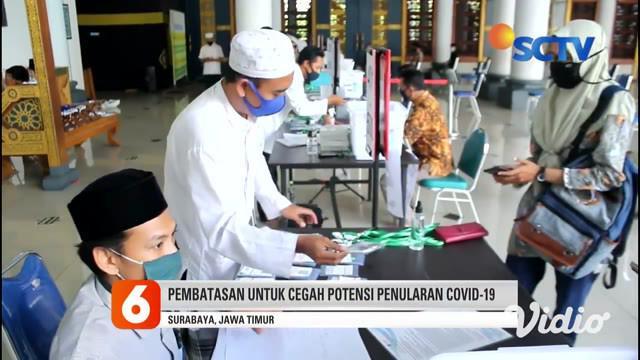 Jelang Idul Adha, kesibukan pengurus Masjid Al-Akbar Surabaya kian bertambah, selain menerima hewan kurban. Mereka kini juga menyiapkan tanda pengenal bagi jamaah yang nantinya akan ikut salat Idul Adha di masjid tersebut yang hanya dibatasi 5.000 ja...