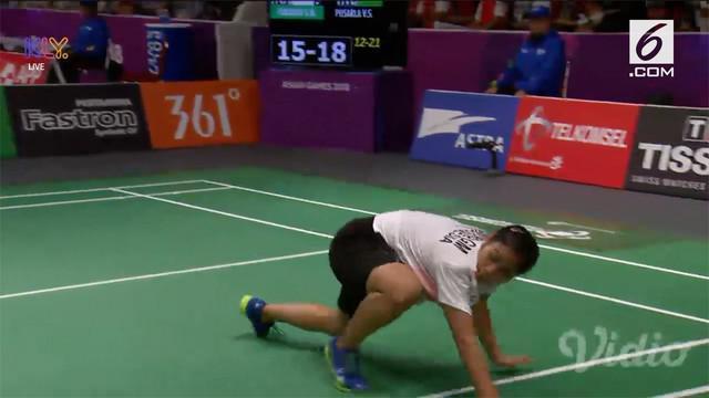 Langkah Gregoria Mariska Tunjung terhenti di babak 16 besar cabang olahraga badminton nomor perorangan Asian Games 2018. Tunggal putri Indonesia itu kalah dua set langsung dari wakil India, Pusarla Venkata Sindhu, dengan skor 12-21 dan 14-21.